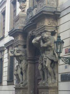 Columnas arquitectura de Praga