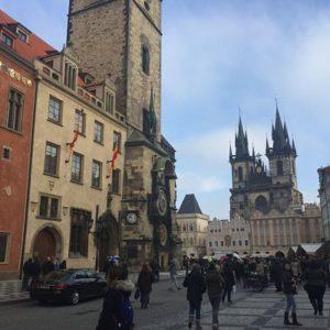 Hacia la Plaza de la Ciudad Vieja