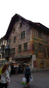 Fachada del casco antiguo pintada