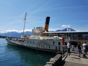 Barco a vapor por el lago de Montreux
