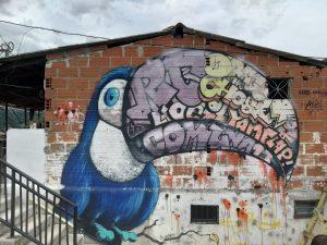 Graffiti símbolo de la comuna