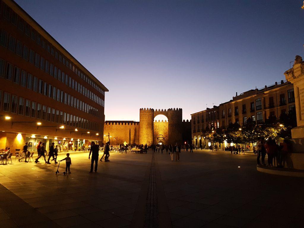 Puerta del Alcázar, Ávila